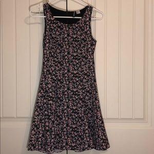 Dresses & Skirts - Floral Black Dress Size 6